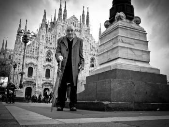 Milano rEsiste