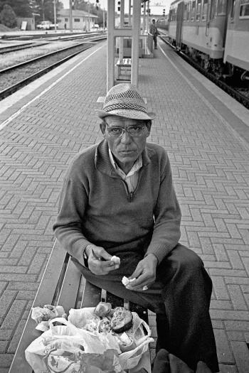 profugo in stazione
