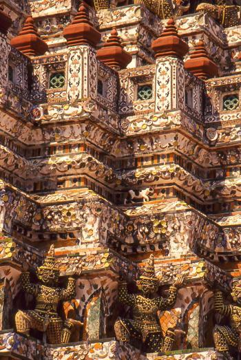 Il GATTO guardiano del Tempio Wat Arun. Bangkok.