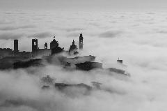 Nebbia in citt alta II